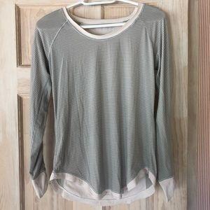 LuLulemon long sleeve - Size 4